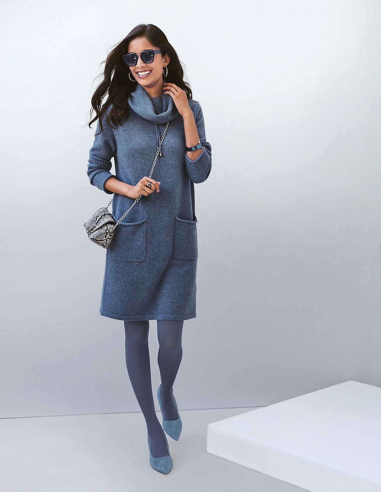 strickkleid mit weitem rollkragen, jeansblau, blau