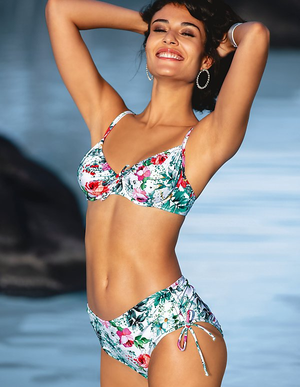 bestbewerteter Beamter attraktiver Preis Laufschuhe Modische Bikinis bequem online kaufen | MADELEINE Mode