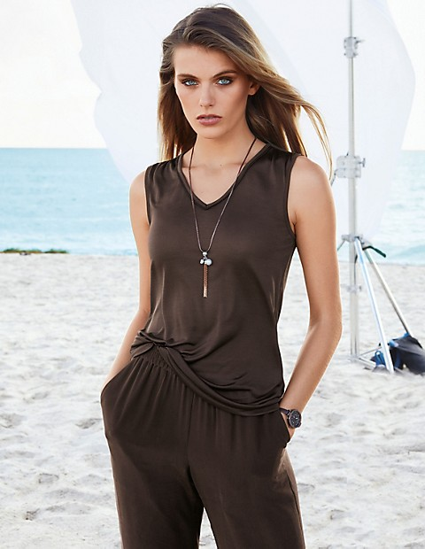 52a4c1fe78dde Sleeveless top in natural tones