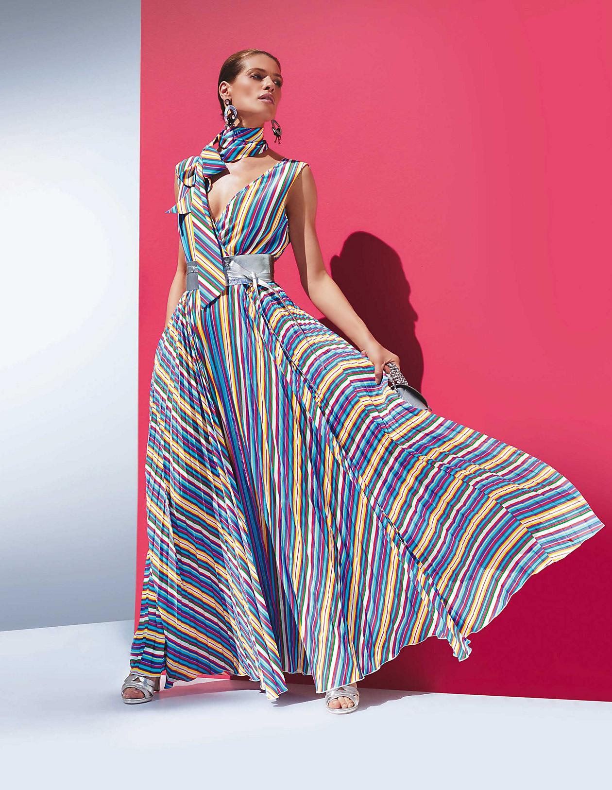 Kleid mit weitem Rock, wollweiß/multicolor, blau, gelb, weiß